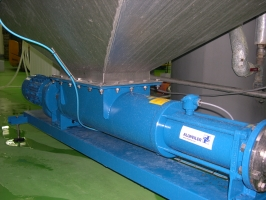 Progressing cavity pump for liquids with high solids content